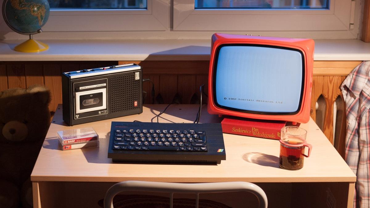 Quelle: podstawczynski.com - ZX Spectrum+ with Polish Unitra Vela 203 portable TV, Unitra tape recorder (licensed from Grundig)